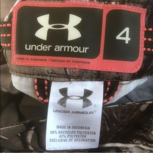 Womens Under Armour Camo Pants in UEC.
